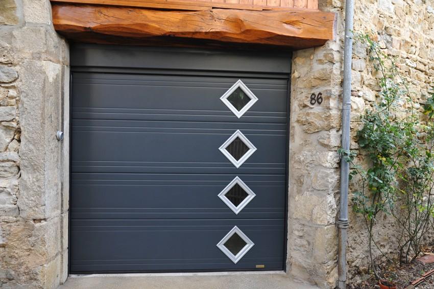 Porte de garage à Senlis